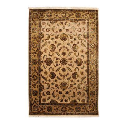 Silk Traditional Fringed Rug
